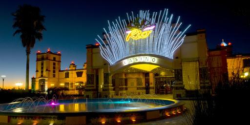 Tusk Rio kasino Resort merupakan resort atau penginapan